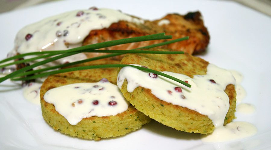 Vacuvita Chef: Couscous cakes with salmon