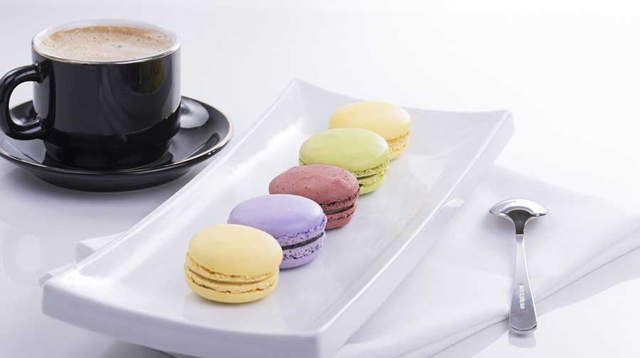 Sophisticated French macarons in easy steps